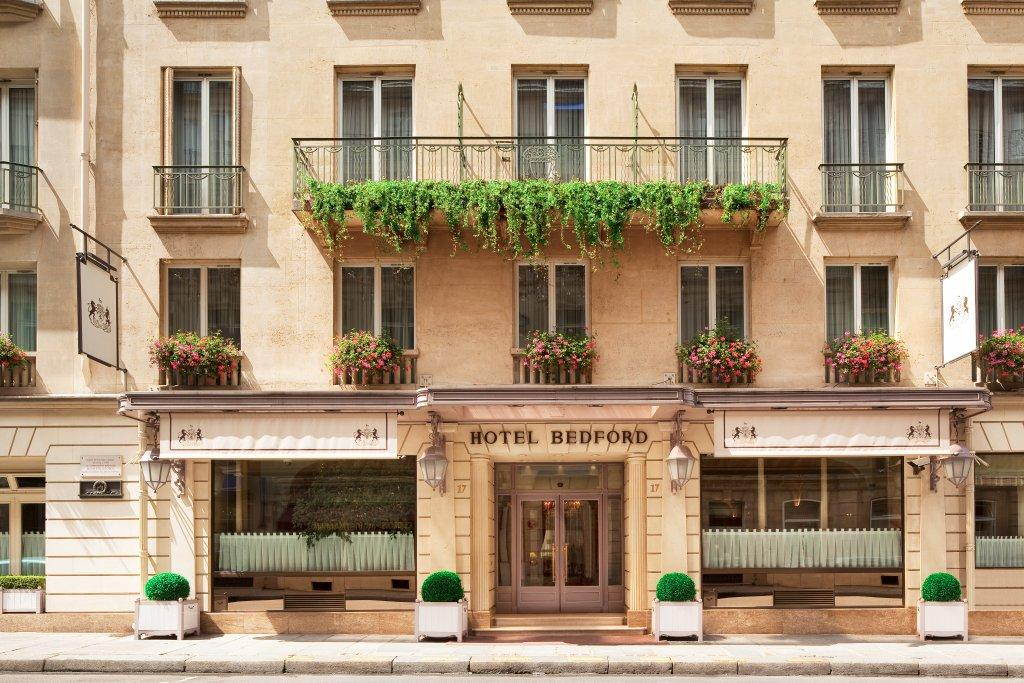 façade hotel bedford