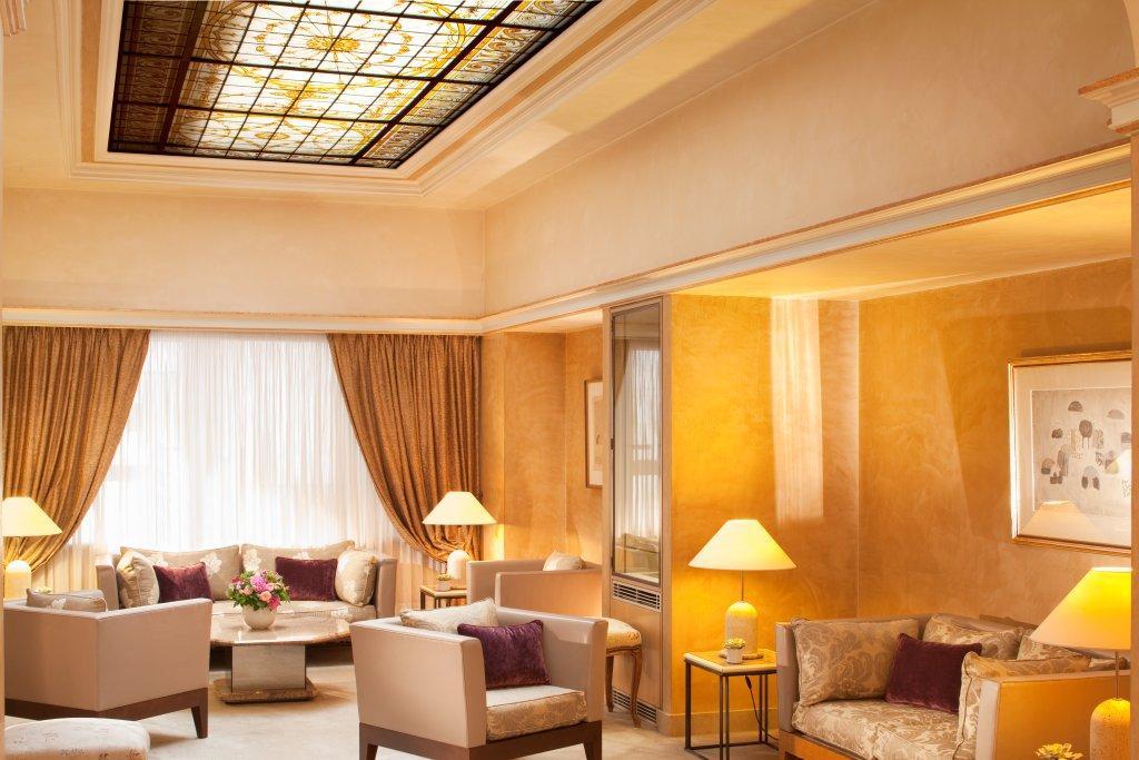 hall hotel bedford